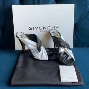 BNWT GIVENCHY TWIST BLACK/WHITE HEELS